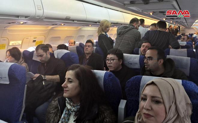 انطلاق أول رحلة جوية من مطار دمشق الدولي باتجاه مطار حلب الدولي بعد انقطاعه عن الخدمة لأكثر من ثماني سنوات