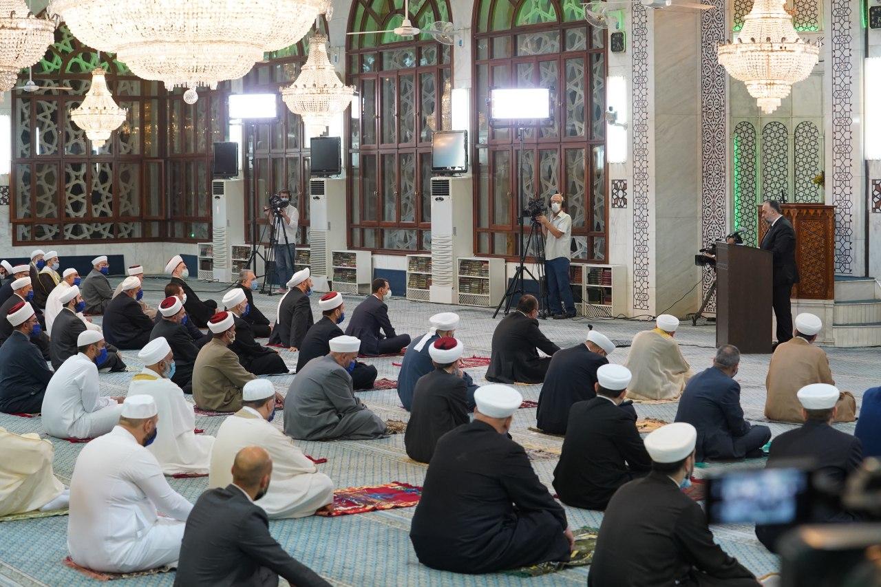 الرئيس الأسد يشارك في الاحتفال الديني بذكرى المولد النبوي الشريف في جامع سعد بن معاذ بدمشق