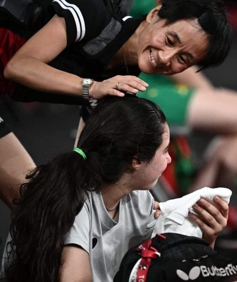 رغم خسارتها.. أيقونة كرة الطاولة السورية هند ظاظا تصنع الحدث في أولمبياد طوكيو
